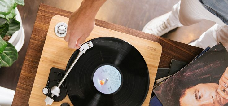 Vinyl Sales Slump Quality Blamed | channelnews