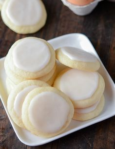 Almond Meltaway Cookies!! They are SO Perfectly Soft and have Tons of Butter and Almond Flavors!!