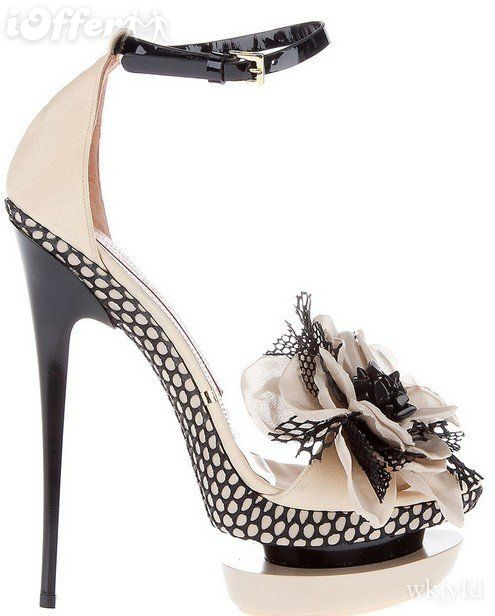 Mehndi: Fashion Shoes, Shoes Fashion, Flirti Flowers, Black White, Black Heels, Gianmarco Lorenzi, High Heels, Gianmarcolorenzi, Shoes Shoes