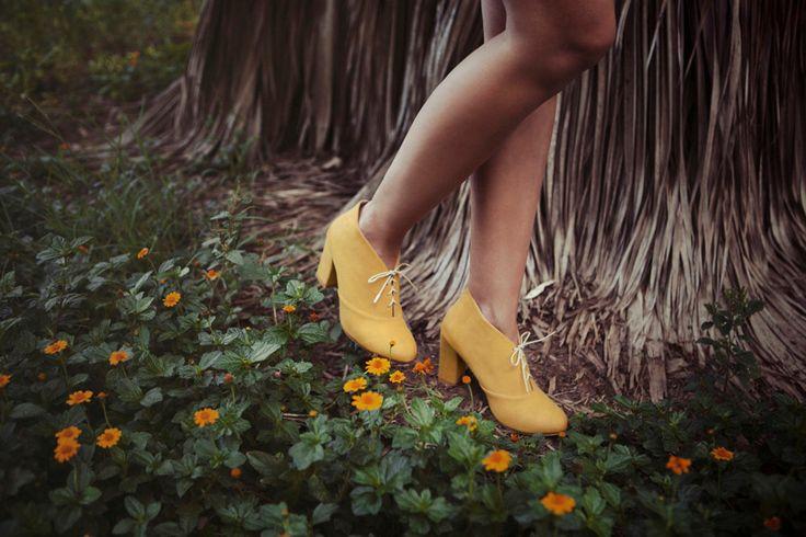 Vente 20 % de réduction - lacets talon haut / designer chaussures oxford / femmes Oxford végétalien / chaussures oxford moutarde / designer Oxford / style Oxford / par RoniKantorShoes sur Etsy https://www.etsy.com/fr/listing/475282460/vente-20-de-reduction-lacets-talon-haut