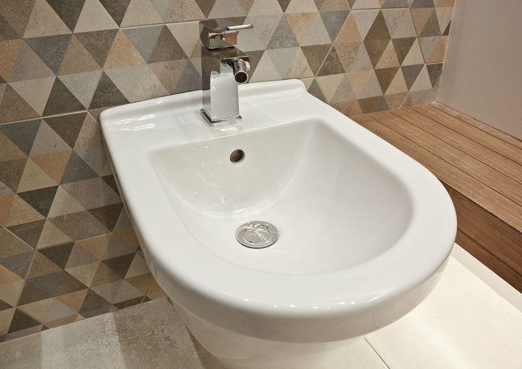 #viverto #InspiracjeViverto #łazienka #bathroom #beautiful #perfect #pomysł #design #idea #nice #cool #inspiration #nowoczesność #nowocześnie #płytki #tiles #toaleta #ceramika #umywalka #armatura #baterie #bateria #wow #moda #trend #drewno #drewnopodobne #imitacja #wood #wooden #bidet #kolory #kolorowo