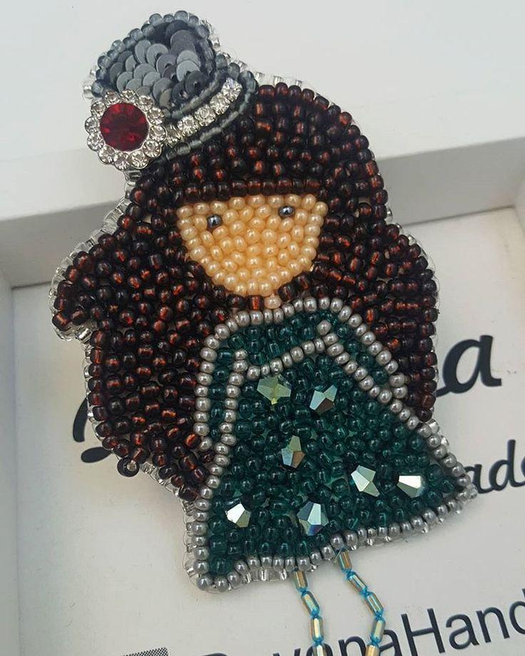81 отметок «Нравится», 1 комментариев — Gohar Torosyan (@dayana_handmade) в Instagram: «#brooch #gorjussgirlbrooch #santoro #lon don #armenia #armenianhandmade#beautiful #crystal…»