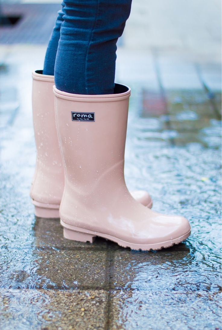 boots! ☔️  #blushpink #givingpovertytheboot #foryouforall http://ss1.us/a/7FQ77oi0