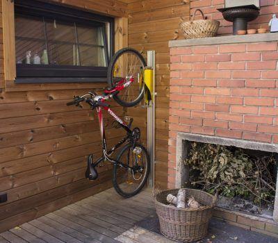 Guarda bicis elegant la guardia civil esclarece un total for Como guardar la bici en un piso