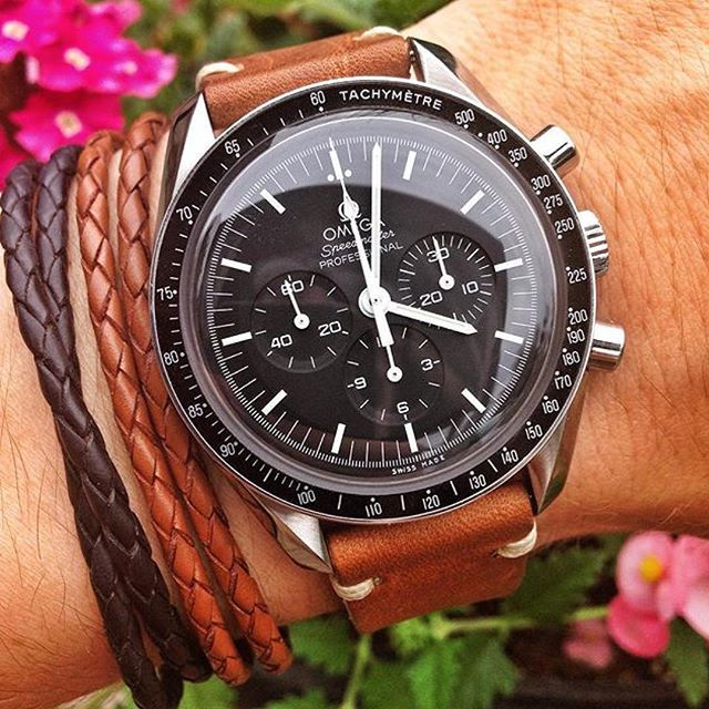 Great shot of the @omega Speedmaster Professional. Photo by @timetowatch #luxury #timepiece #yyc #yycfashion #yycstyle #instawatch #omega #leather #speedmaster