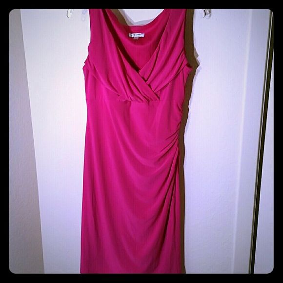 VaVaVoom!  Pink Dress Plunging Neckline Sleeveless pink dress, hugs curves, very sexy feeling.  Cups bust nicely, I loved this dress - too big now.  There are a couple of loose threads (left strap near hanger and deep in collar) and a very tiny snag on the right front.  This makes for a great going out dress or dinner in Vegas! Jones Studio Dresses