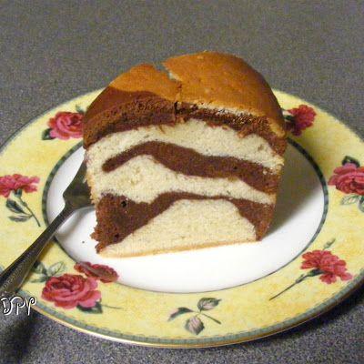 Marbled Million Dollar Pound Cake @keyingredient #cake #chocolate