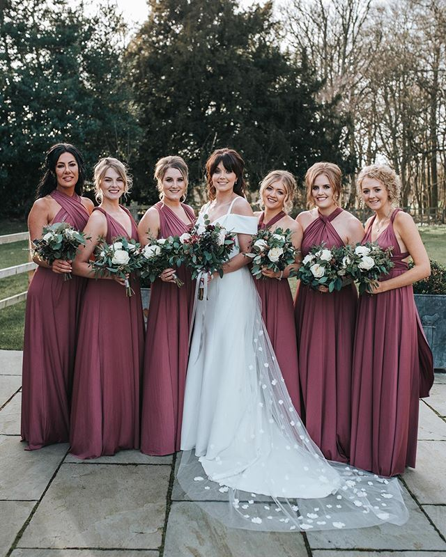 735fba9d466 Another stunning bride tribe - this is a must photo in my opinion ...