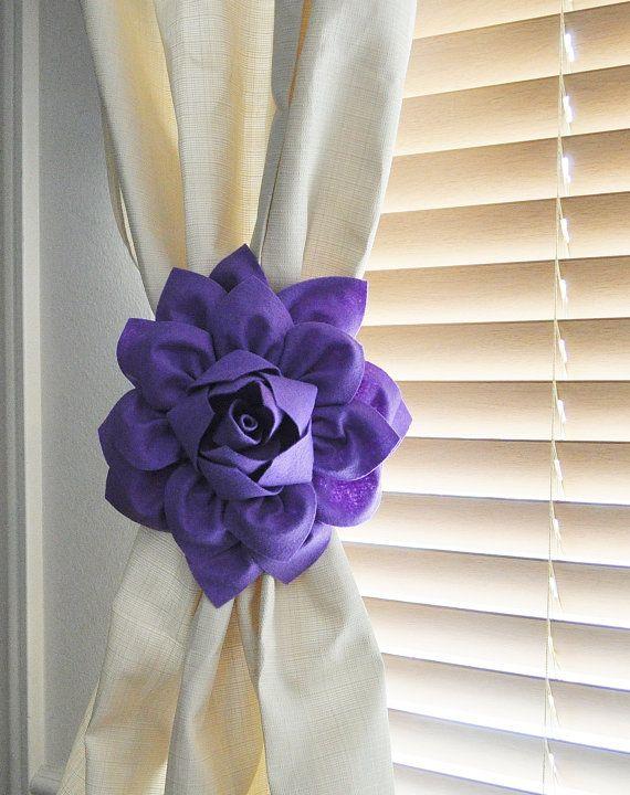 Flower Curtain Tie Backs / Set of Two/ Curtain Tiebacks / Curtain Holdback / Drapery Tieback  / Nursery Decor