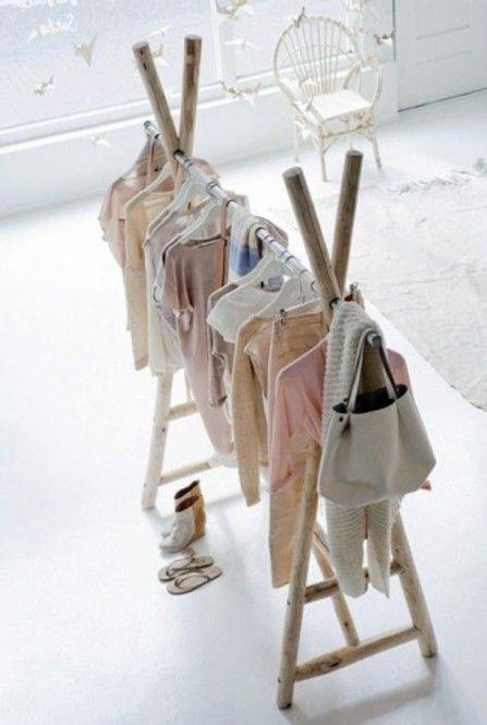 流木がおしゃれ!フランスに学ぶクローゼットハンガーDIY | Clipers ... 子供服のラックもこんなにキュート!