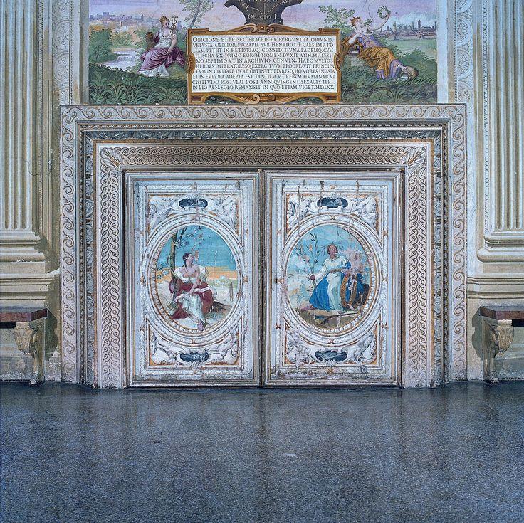 Castello del Catajo (Padova). Dettaglio dell'interno.