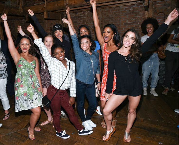 U.S. women's gymnastics team flips over Broadway's 'Hamilton' - Chicago Tribune