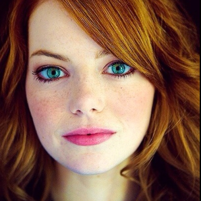 Emma Stone has the prettiest blue eyes ever!! | Look into ...