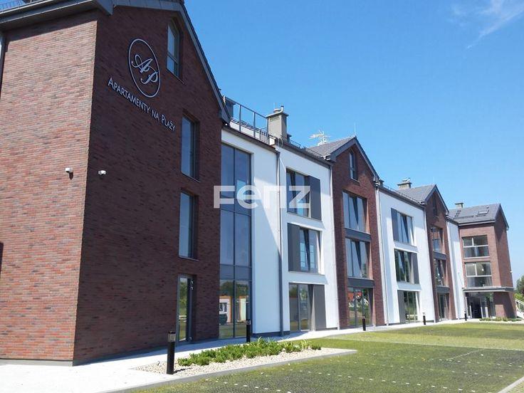 #Ogrodzenie ekskluzywnego apartamentowca w Jastarni, model PREMIER, kolor dodatkowy (RAL 7037).  #fenz