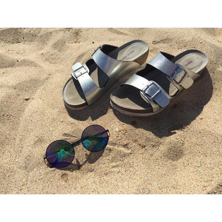 . . . やけた😶💭 . . #simple#sandal #sea #birth #ocean #comfortsandal…