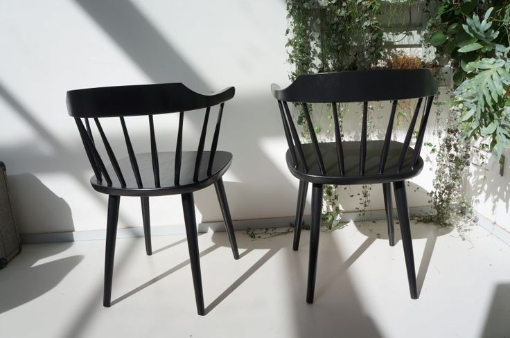 Zwarte houten spijlen stoelen ''Småland - afbeelding2