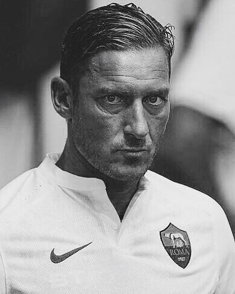 Francesco Totti made his 600th league appearance for AS Roma this weekend.  Only Maldini and Zanetti have reached that milestone in Serie A history.  Legend.  #FutbolSport #Totti #italy