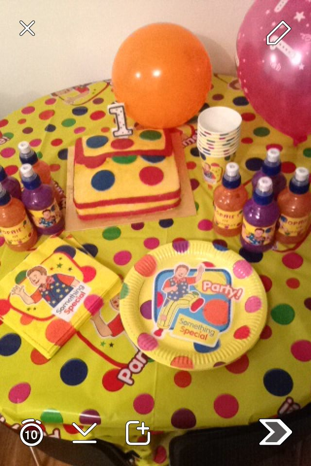 Mr Tumble party cake