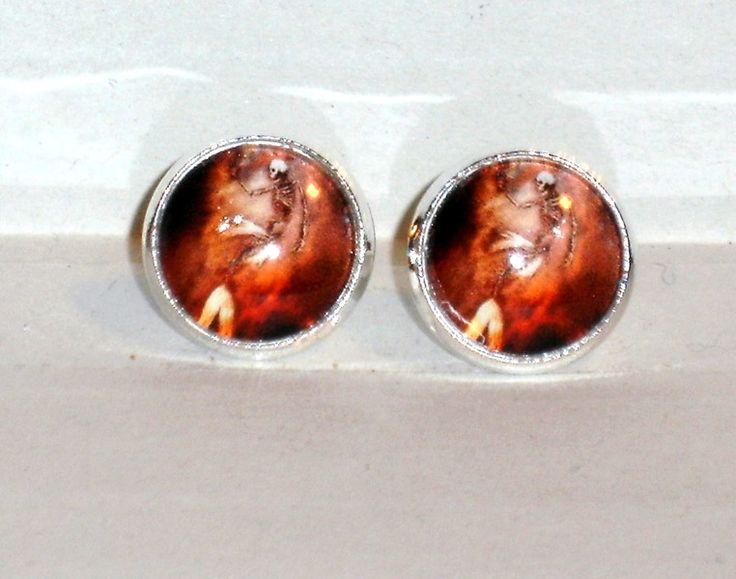 Ohrstecker - Ohrstecker Skelett Meerjungfrau Glas Cabochon - ein Designerstück von ausgefallene-Ohrringe bei DaWanda