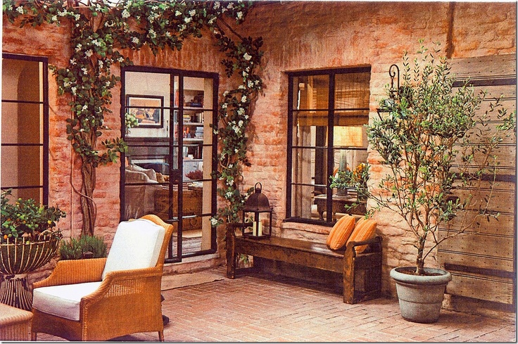 """Patio - """"It's Complicated"""" movie - http://cotedetexas.blogspot.com/2011/02/found-real-its-complicated-house.html#"""