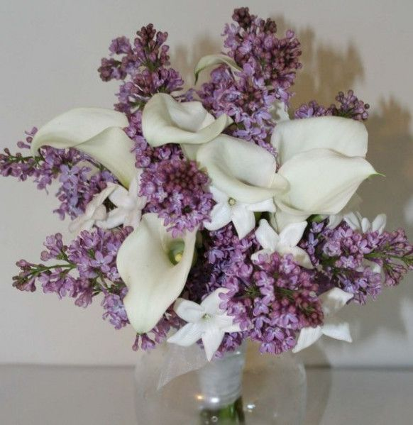 Lilacs Calla Lilies Wedding Flowers Table Arrangements Pinterest Weddingflowers Lilacfloralar Flower Bouquet Wedding Lilac Bouquet Calla Lily Wedding Flowers