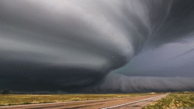 http://www.weather.com/news/news/supercell-thunderstorm-gifs-mike-hollingshead?&cm_ven=Email&cm_cat=undefined source: imgur.com