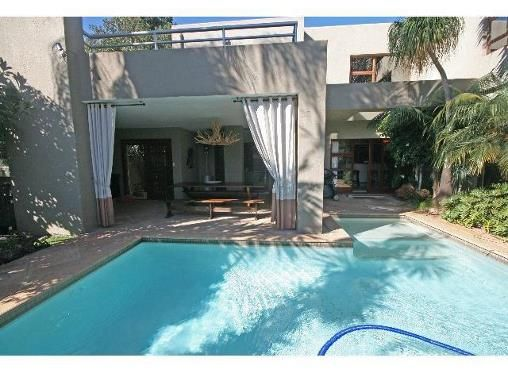 5 Bedroom Townhouse for sale in Bedfordview R3.95m