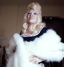 Mae West - Wikipedia