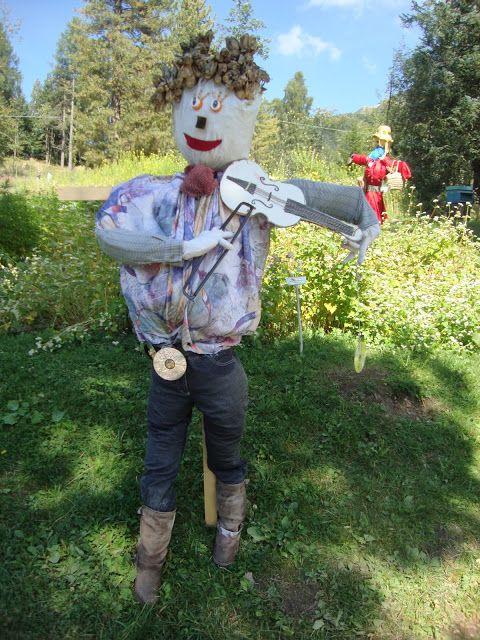 Spaventapasseri - Giardino botanico alpino Viotte - Scarecrow  http://lefotodiluisella.blogspot.it/