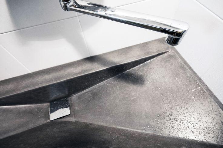 asymetrické betonové umyvadlo I design I  betone I concrete sink