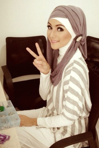 في الحجاب اما تكون نصيحة كتابيةمثل الي في الاسفل اوصورة