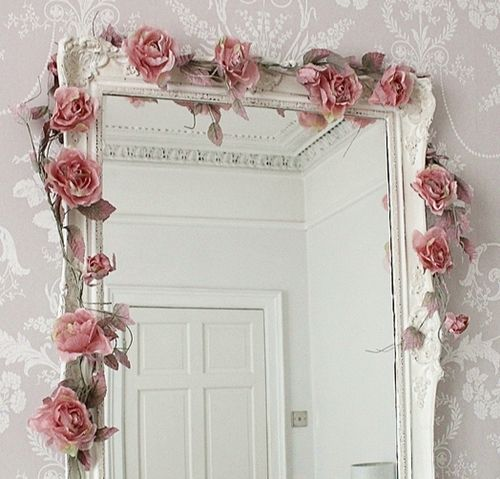 This makes me want to drape every mirror (and window, for that matter) in my home with gorgeous dusty pink roses.