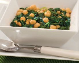 Recipe: Espinacas con Garbanzos (spinach with garbanzo beans). Quick. Easy. Slightly spicy. Love this after a workout.