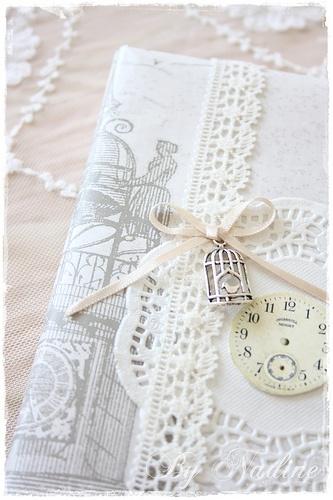 ... shabby ... // Sneak peek of my scrapbook por Nadine's Cakes & My little white home en Flickr.com