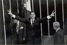 Impeachment de Fernando Collor –  Congresso nacional aprova o impeachment do presidente Fernando Collor. Assume o vice-presidente Itamar Franco.