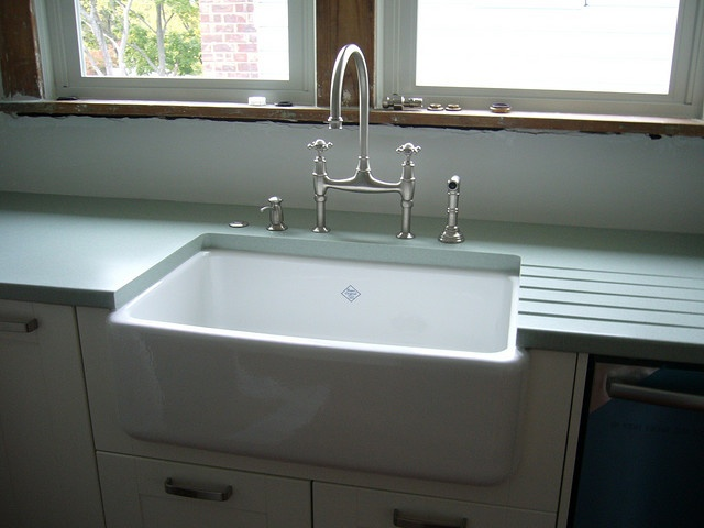 9 best beach homes paint colors images on pinterest for Corian farm sink price