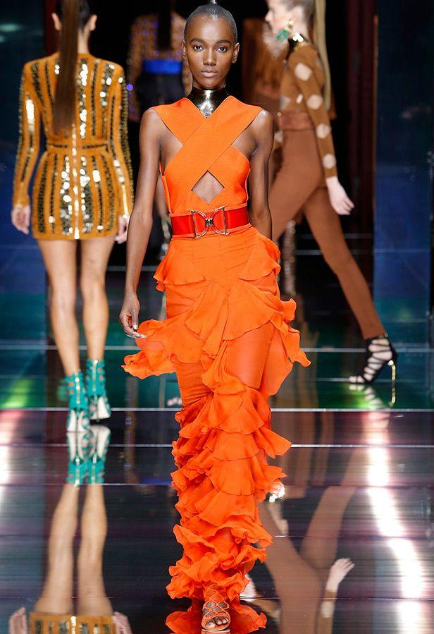 Платье мандаринового цвета