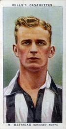 1939-40 W.D. & H.O. Wills Association Footballers #7 Harry Betmead Front