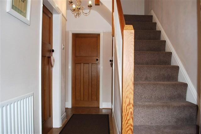 Hallway decor ideas for 1930 39 s house google search for Bathroom ideas 1930s semi
