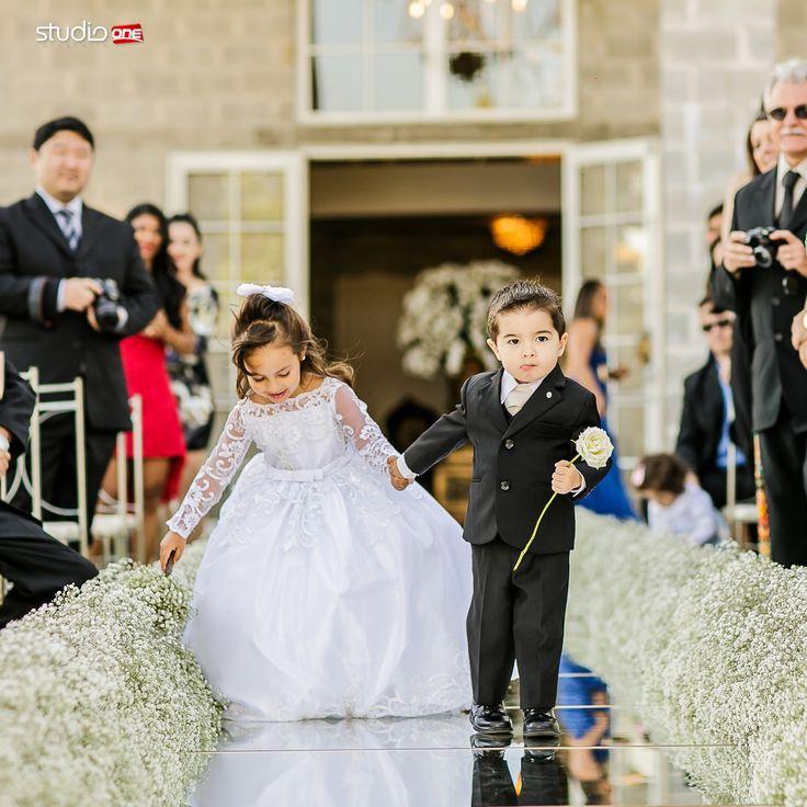 Na vida, ter determinação é essencial ❤:heart_eyes:❤ . . . . . . . . ❤ :pray: :camera::heartpulse::heart_eyes::bride_with_veil::man:#fotografia #fotografiadecasamento #fotografiadecasamentocuritiba #casamento #casamentocuritiba #noivos #noiva #wedding #weddingbrasil #vestidodenoiva #weddinginspiration #photografy #weddingdress #weddingandlove #weddingphotografer #weddingday #weddingphotografy #weddingpics #photos #photografer #vestidadenoiva #noivadoano #noivascuritiba #weddingidea…