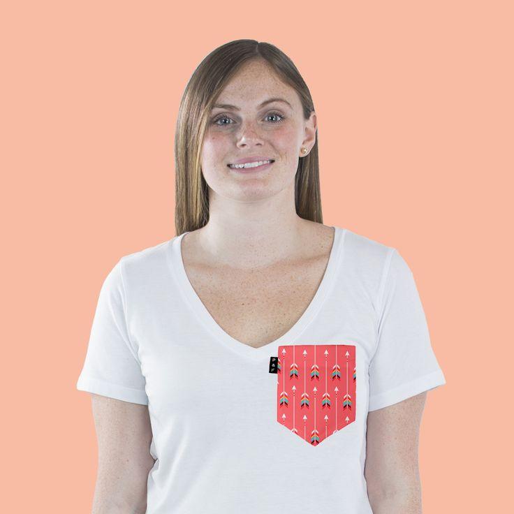 Women's clothing・Pocket tee・V neck・Indie・Boho・Yolo・Montreal ❖ Vêtements pour femmes・Col en V・Chandail à poche・Motif boho・Girly・Montréal