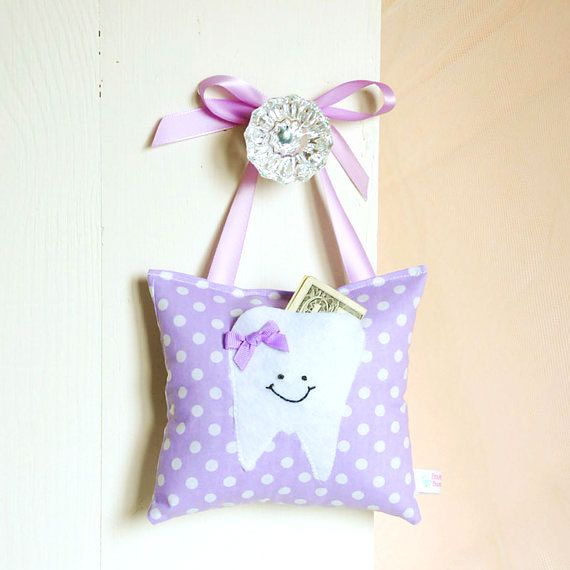 Tooth Fairy Pillow - will make in blue for Finlay! amazing idea makes a visit from the tooth fairy special