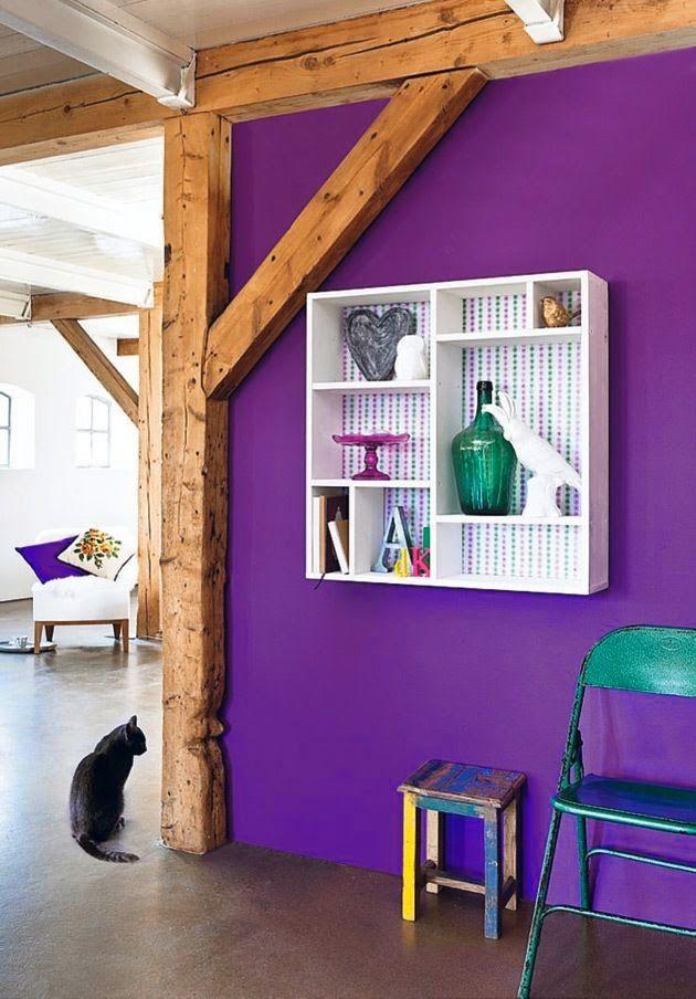 lila wand dekorieren interessante ideen f r. Black Bedroom Furniture Sets. Home Design Ideas