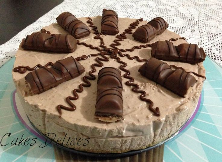 Vous êtes nombreux à avoir vu et Liker notre publication de la photo sur notre page Facebook du Fameux kinder bueno cheesecake, cette recette ne va pas vous décevoir surtout pour ceux qui aiment énormément le kinder bueno... Ingrédients pour la base biscuité:...