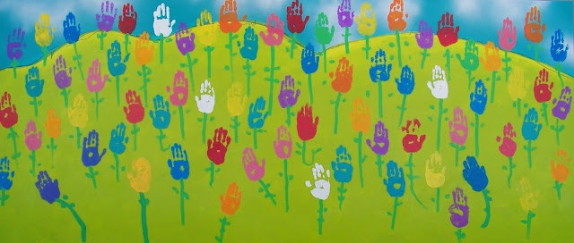 candice ashment art: A Field of Tulips - Hand Art - kindergarten style...would be great for next year's auction for the younger grades