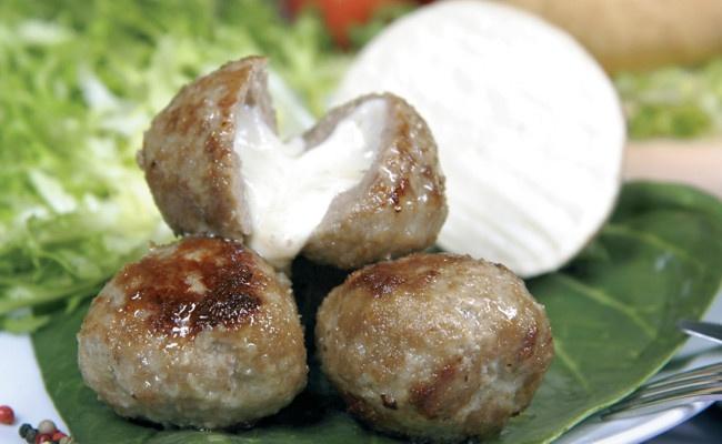 GDO Boccone di Agerola -  Polpetta surgelata con provola di Agerola Ingredienti: carne bovina farcita con provola di Agerola, formaggio stagionato 18/24 mesi, pane, latte, uova, sale