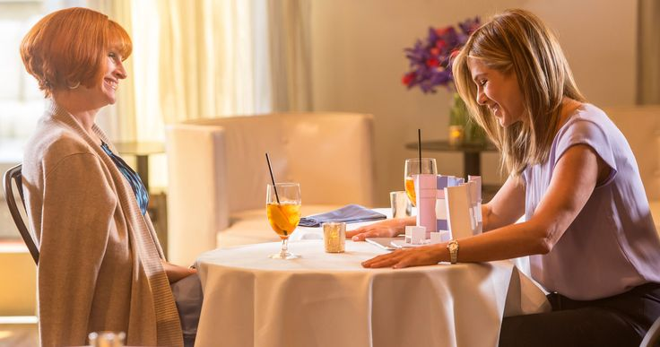 'Mother's Day' Trailer: Celebrate with Jennifer Aniston & Julia Roberts -- Jennifer Aniston and Julia Roberts lead an all-star cast in a trailer for Garry Marshall's ensemble comedy 'Mother's Day', arriving April 29. -- http://movieweb.com/mothers-day-movie-trailer-jennifer-aniston-julia-roberts/