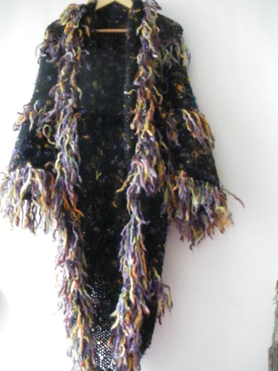 Extravagant manteau tricoté main pour la femme par lamamadesmatous