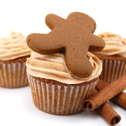christmas cupcake! ginger cupcake with cinnamon cream cheese frosting ...