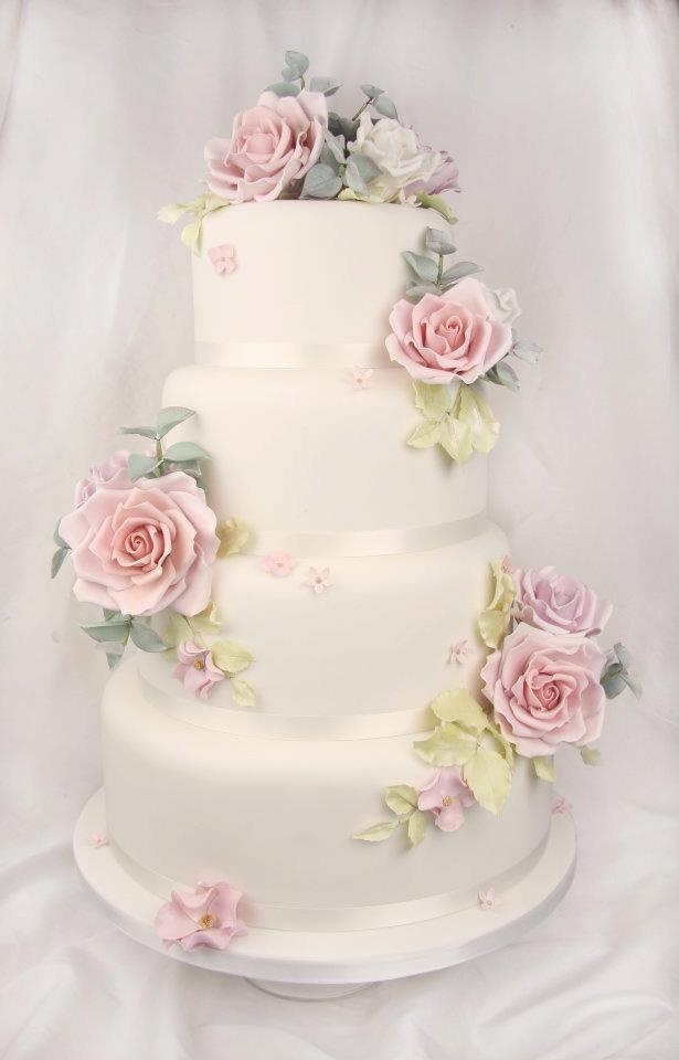 Fabulousness from Couture Cakes